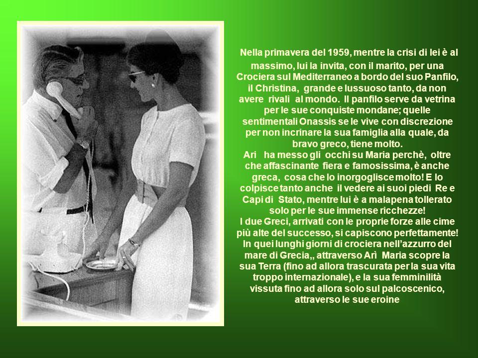 Le dichiarazioni velenose di Evaghelia hanno grandissimo rilievo sulla stampa internazionale: la Callas non è quindi solo la Tigre che piglia a calci i colleghi sulla scena, ma anche figlia degenere.