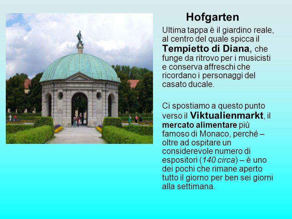 Hofgarten Ultima tappa è il giardino reale, al centro del quale spicca il Tempietto di Diana, che funge da ritrovo per i musicisti e conserva affresch