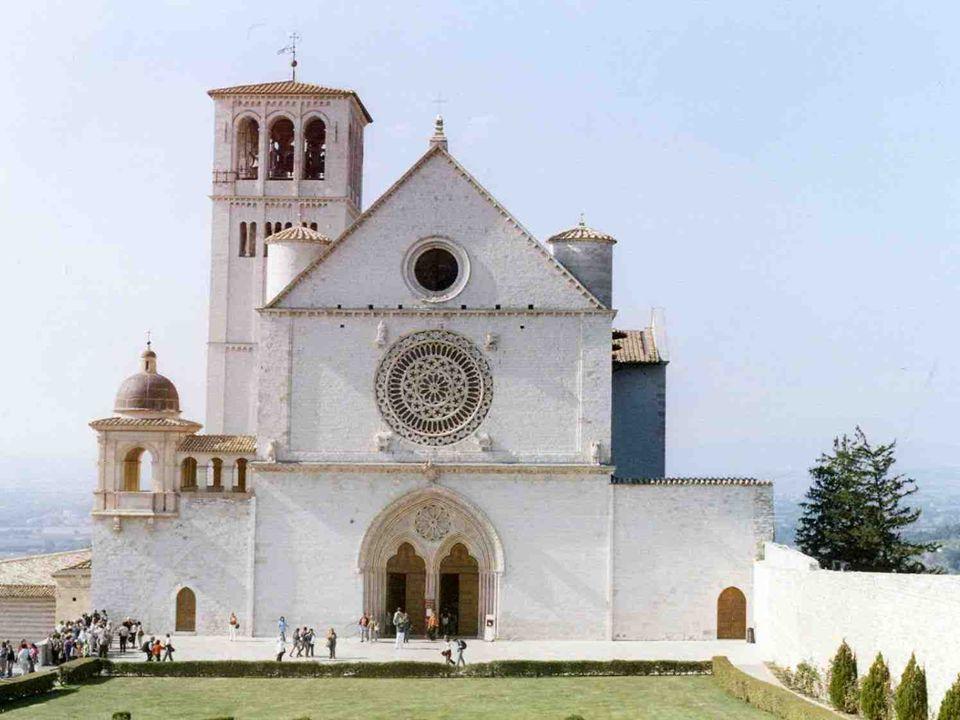 La Basilica di s. Francesco d Assisi è stata dichiarata patrimonio dellumanità. È formata da due chiese sovrapposte luna allaltra, che comunicano tra