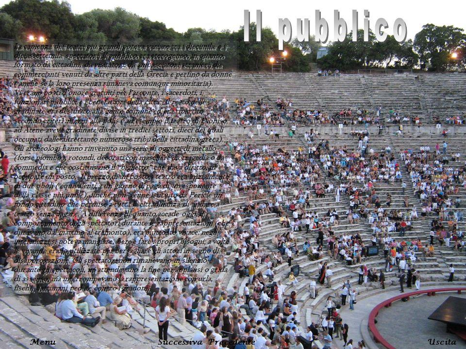 La capienza dei teatri più grandi poteva variare tra i diecimila e i diciassettemila spettatori. Il pubblico era eterogeneo, in quanto formato da citt