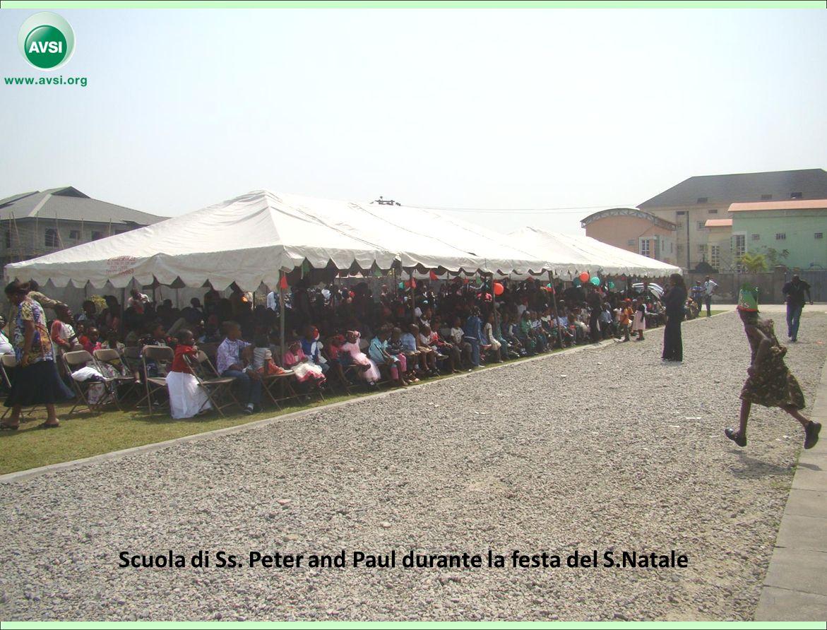 Scuola di Ss. Peter and Paul durante la festa del S.Natale 31