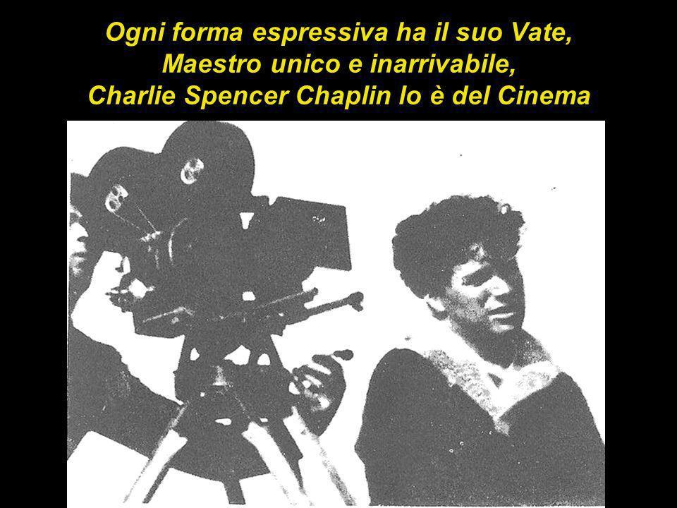 Personaggio pubblico, universalmente acclamato, Chaplin ha avuto anche un intensa vita privata, sulla quale sono fiorite leggende di tutti i tipi, poco chiarite ancora oggi.