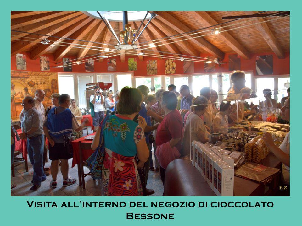 Visita allinterno del negozio di cioccolato Bessone