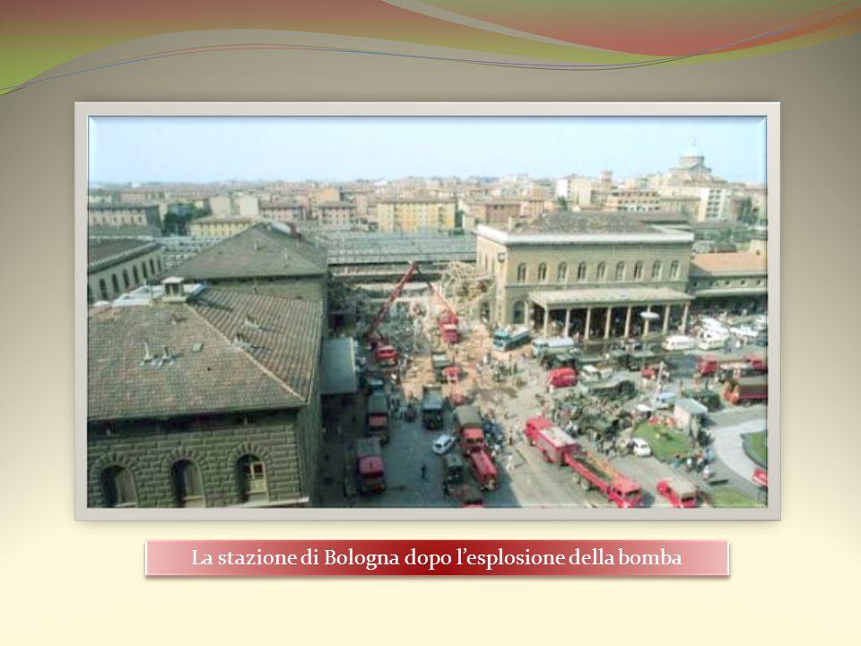 La stazione di Bologna dopo lesplosione della bomba