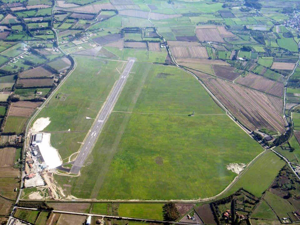 35 Aeroporto di Tortoli Sedime aeroportuale: 25 HA Classificazione ICAO: 2C Pista- QFU: 1194x 30 m 12-30 Azionariato: Monteturri Srl 70,3%, Enti.