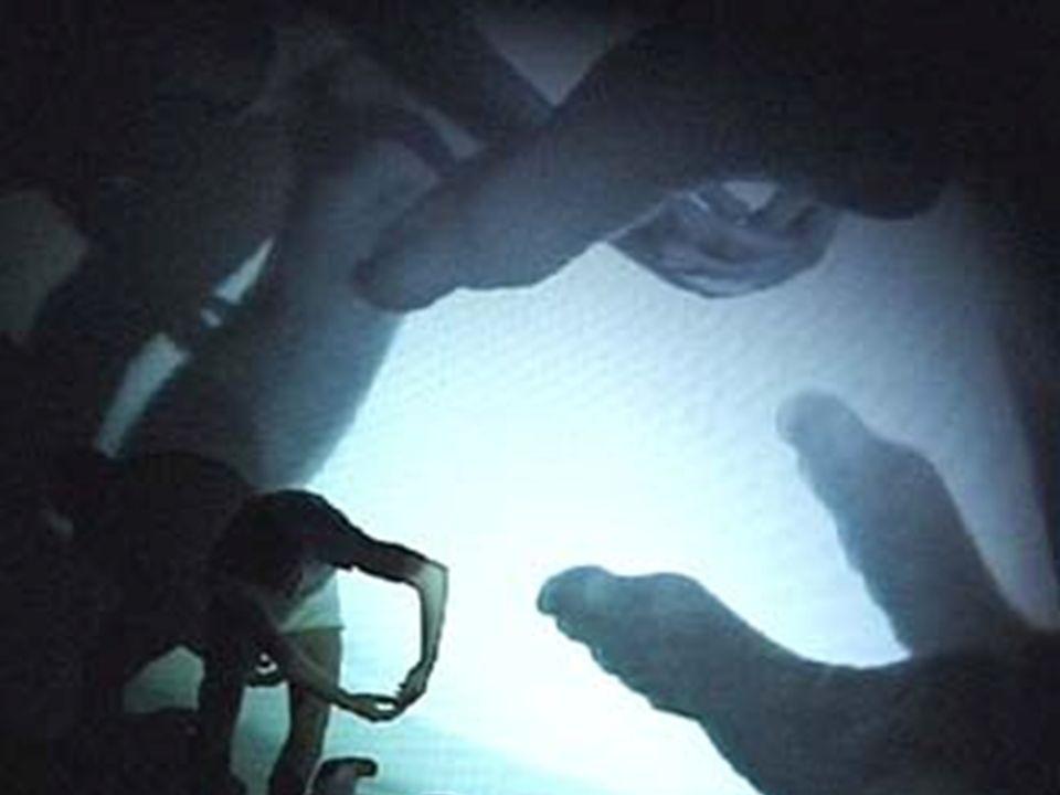 Stromenti collaborativi di connettività Motori di ricerca –Collettivi –Individuali –Point-to-point –Ierarchici –Ranked Sociali –Taggati –Condivisi Social bookmarking