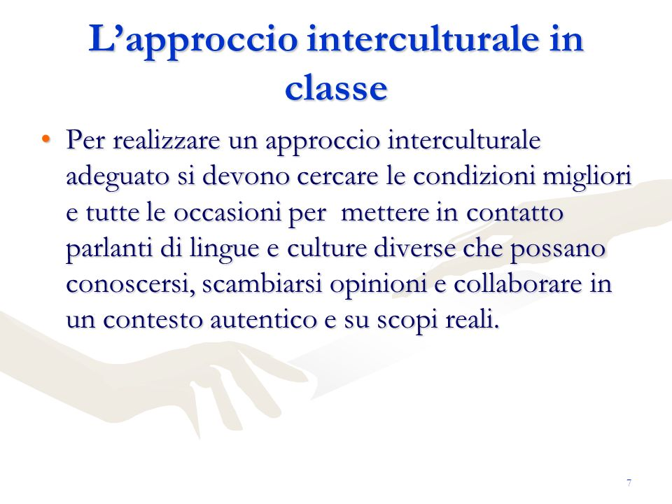 18 Obiettivi linguistici/Modes of Communication Scrivere messaggi (comunicare attraverso la parola scritta) written interpersonal communication Scrivere messaggi (comunicare attraverso la parola scritta) written interpersonal communication Comprendere testi scritti (scanning/skimming), comprendere video e interpretare immagini audio, visual and audiovisual /written and print interpretive communcation Comprendere testi scritti (scanning/skimming), comprendere video e interpretare immagini audio, visual and audiovisual /written and print interpretive communcation Realizzare diverse tipologie testuali written presentational communication Realizzare diverse tipologie testuali written presentational communication Riflettere sul sistema linguistico Riflettere sul sistema linguistico