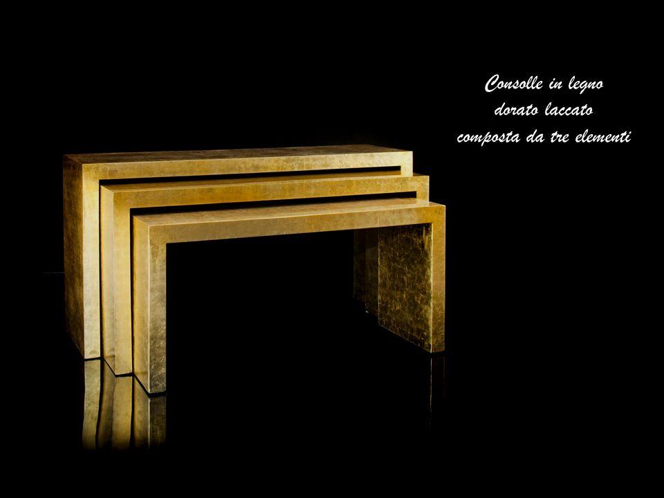 Consolle in legno dorato laccato composta da tre elementi