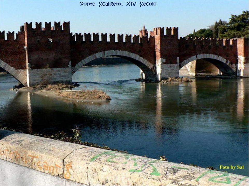 Ponte della Vittoria e il fiume Adige.