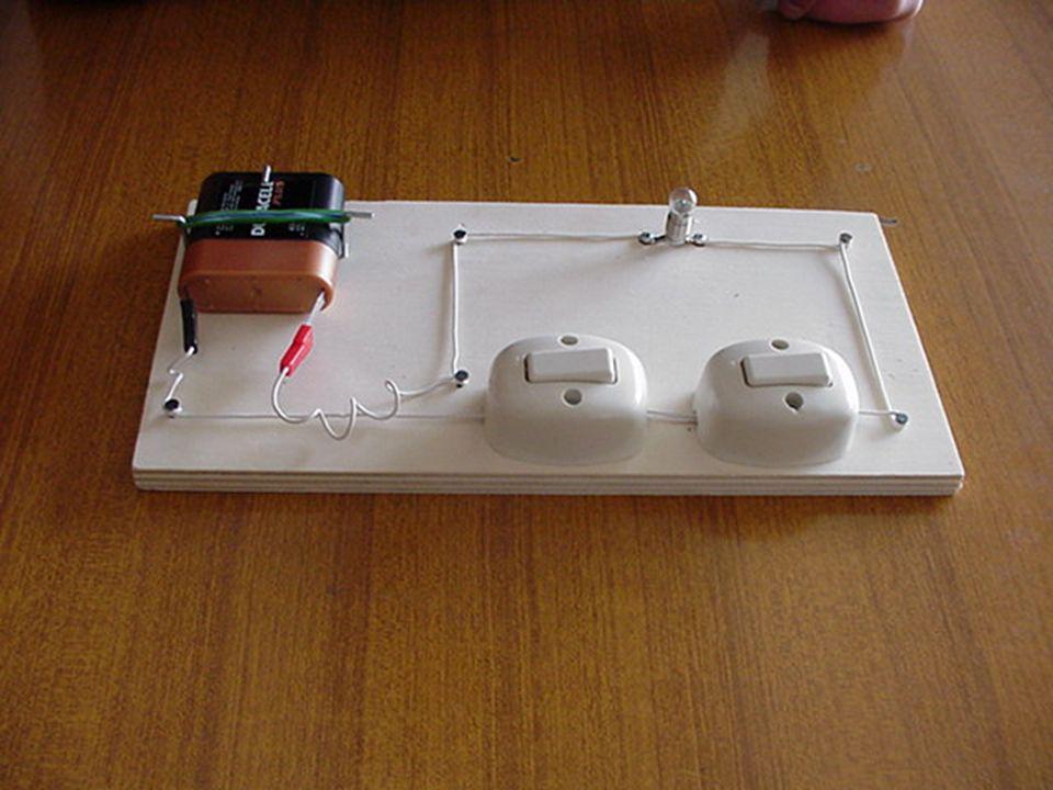 Batteria di pile 4,5 volt Deviatore Lampadina Circuito con deviatori