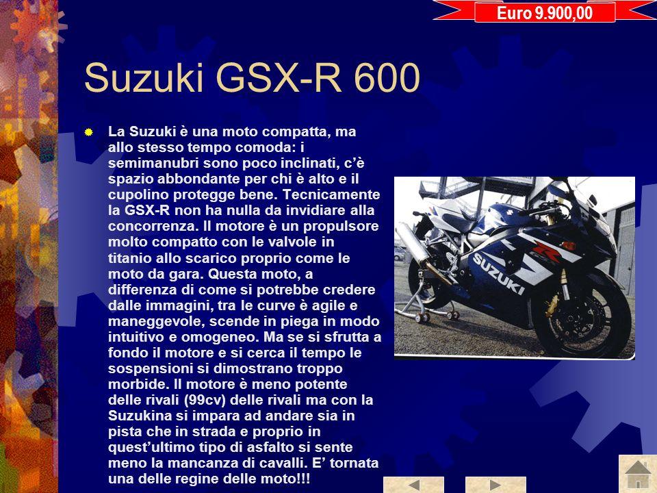 Yamaha YZF R6 La nuova R6 presenta poche novità, probabilmente per non dare fastidio alla R1. La nuova R6 è molto simile nella linea alla vecchia vers