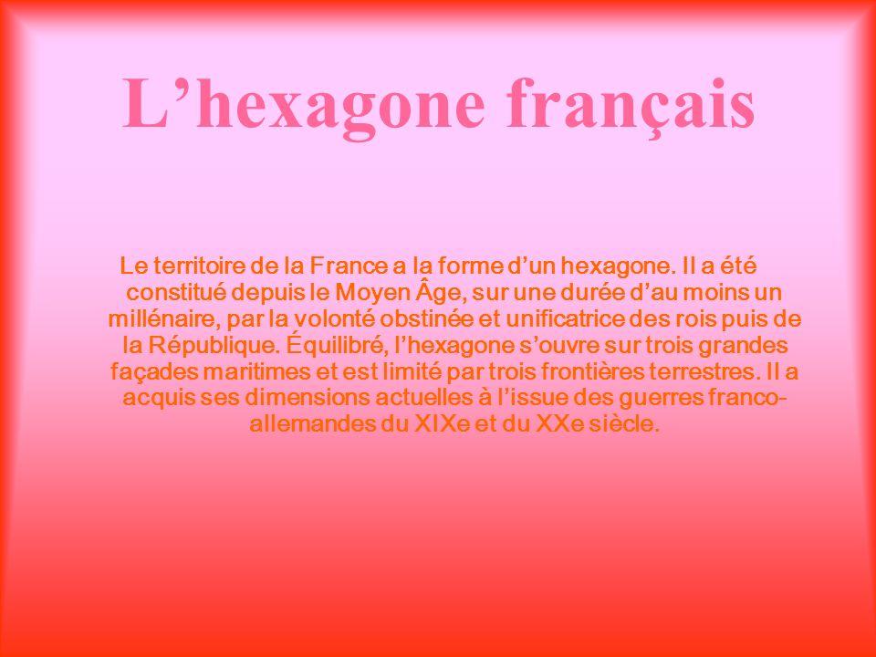 La France La France est le plus étendu des États européens, avec une superficie de 551 500 km2. Elle compte 62 millions dhabitants au recensement de 2