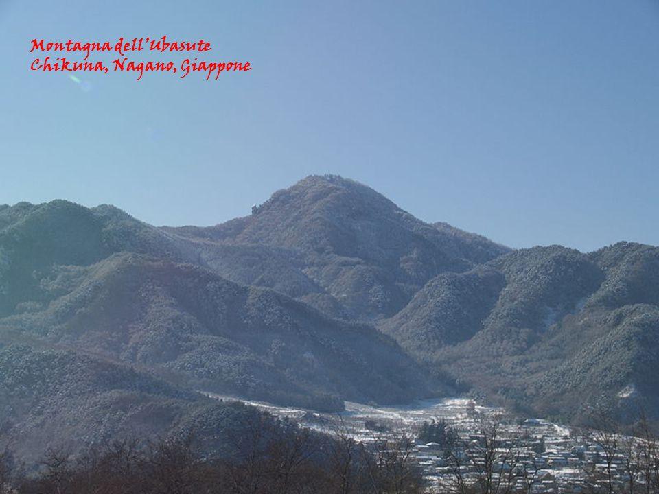 Montagna dellUbasute Chikuna, Nagano, Giappone