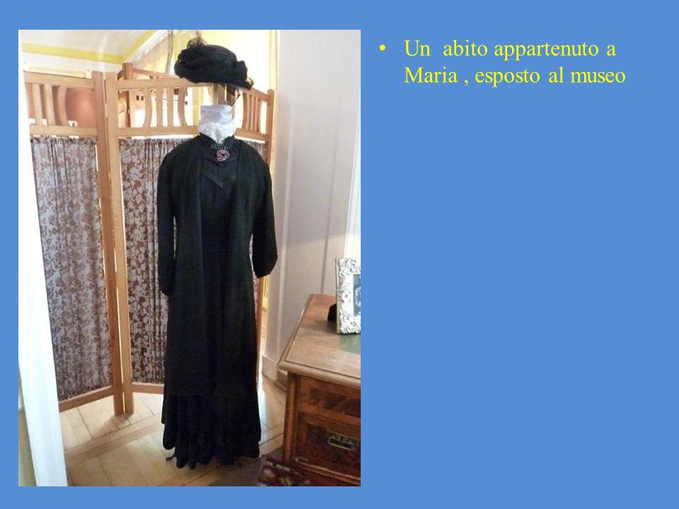 Un abito appartenuto a Maria, esposto al museo