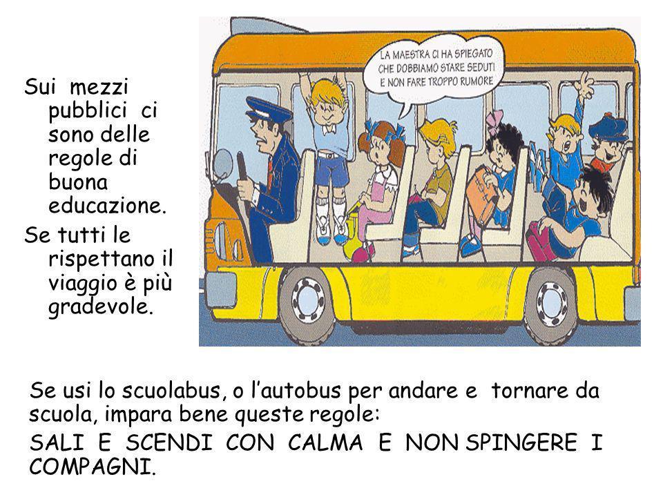 Il pulman è un mezzo di trasporto. Spesso viene usato per andare in gita, ma anche per trasportare i bambini che vanno a scuola.