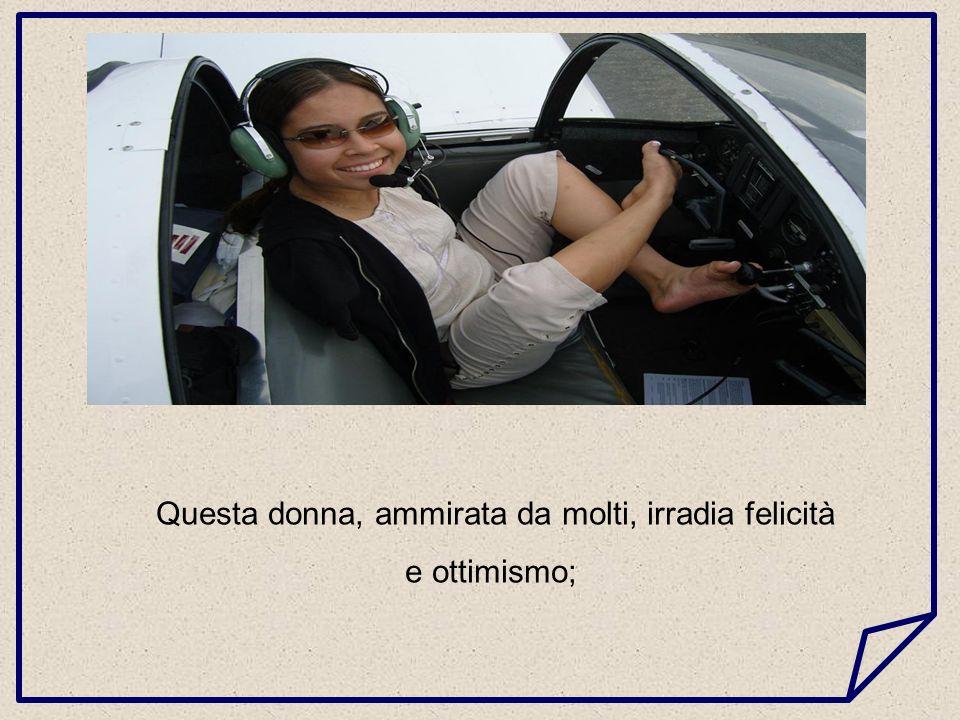 Jessica, 26 anni e 1,55 metri di altezza, è la prima donna pilota senza braccia nella storia dellaviazione.