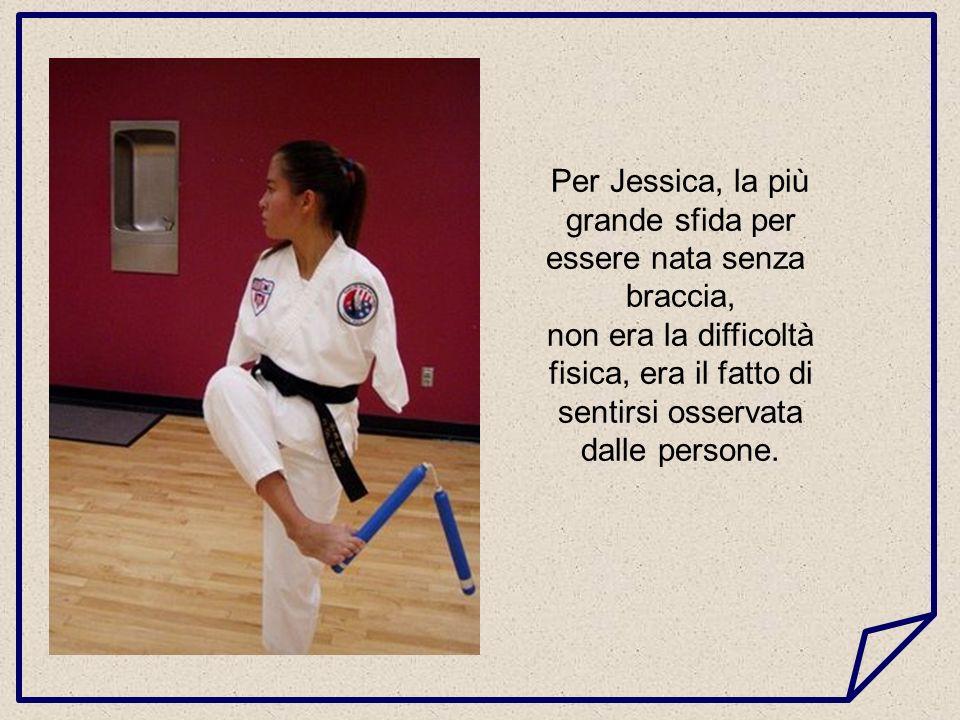 Quando era una giovane si irritava, battendo i piedi e urlando non avendo le braccia; Tuttavia, ha concentrato tutta la sua energia nello sport.