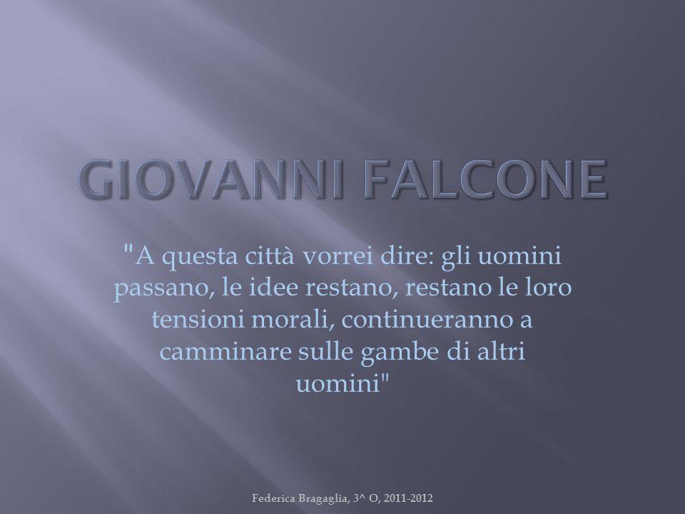 Giovanni Falcone, magistrato ucciso dalla mafia il 23/05/1992 insieme alla moglie Francesca Morvillo e agli uomini della scorta, nella strage di Capaci.