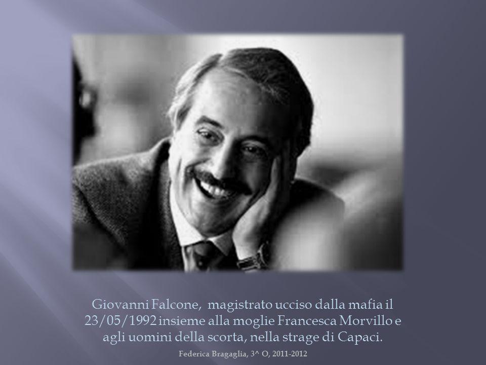 Giovanni Falcone, magistrato ucciso dalla mafia il 23/05/1992 insieme alla moglie Francesca Morvillo e agli uomini della scorta, nella strage di Capac
