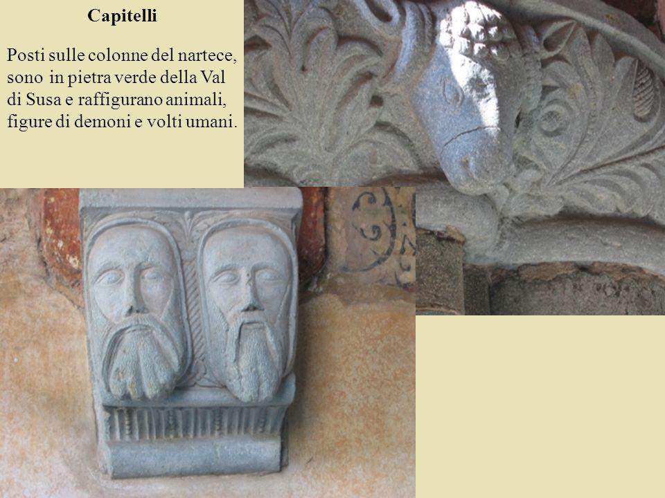 Capitelli Posti sulle colonne del nartece, sono in pietra verde della Val di Susa e raffigurano animali, figure di demoni e volti umani.