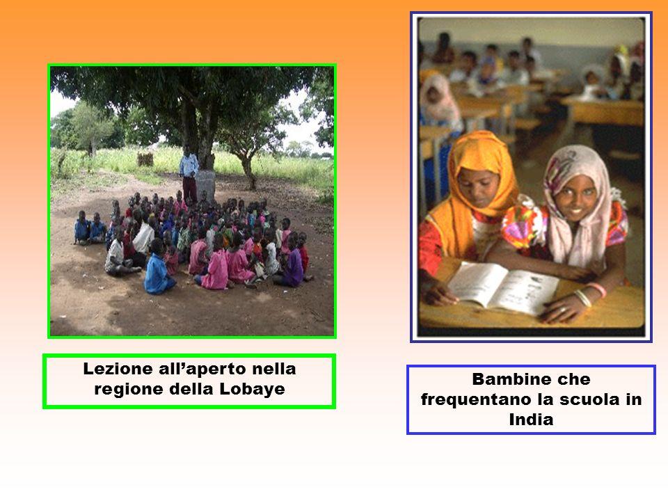 Lezione allaperto nella regione della Lobaye Bambine che frequentano la scuola in India
