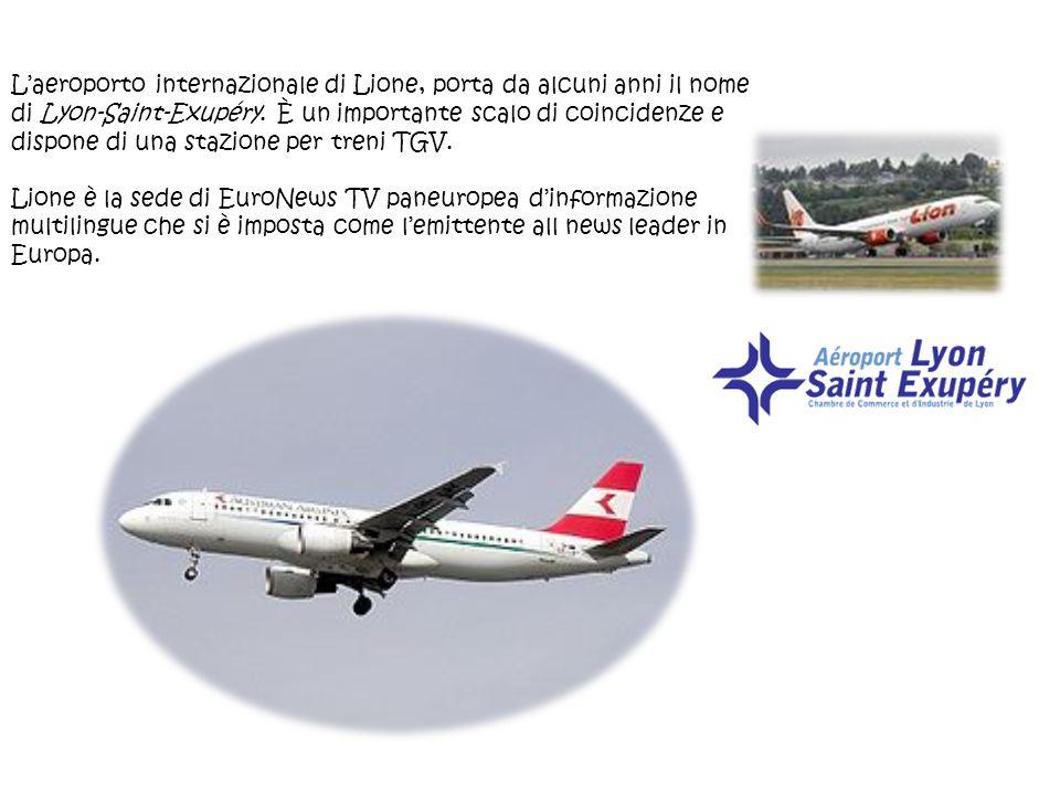 Laeroporto internazionale di Lione, porta da alcuni anni il nome di Lyon-Saint-Exupéry. È un importante scalo di coincidenze e dispone di una stazione