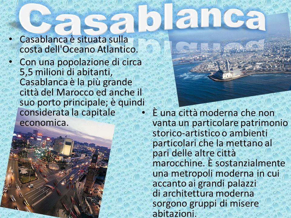 Casablanca è situata sulla costa dell'Oceano Atlantico. Con una popolazione di circa 5,5 milioni di abitanti, Casablanca è la più grande città del Mar