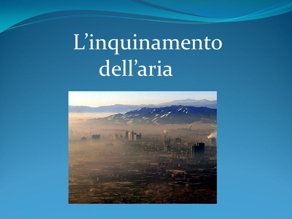 LARIA L aria che respiriamo è un miscuglio formato da alcuni elementi gassosi, di cui i più importanti sono: l ossigeno, l anidride carbonica e l azoto.
