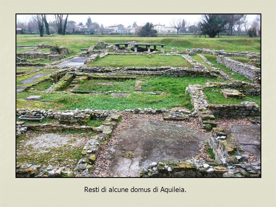 Resti di alcune domus di Aquileia.