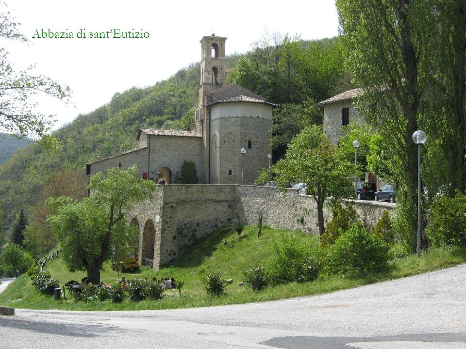 Roccaporena - Altro Santuario di santa Rita Le foto inserite in questa presentazione sono state scattate nel mese di maggio 2008.