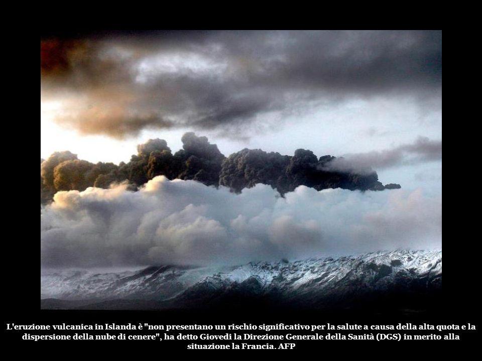 La nube di cenere emessa dal vulcano Eyjafjallajökull limiti la visibilità e può danneggiare i motori degli aerei. Voli in Europa settentrionale sono