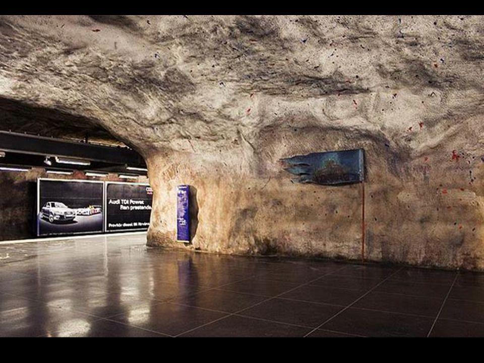 In molte stazioni si possono incontrare rocce purissime; è un po come immergersi nelletà delle caverne, pur vivendo in pieno XXI secolo.