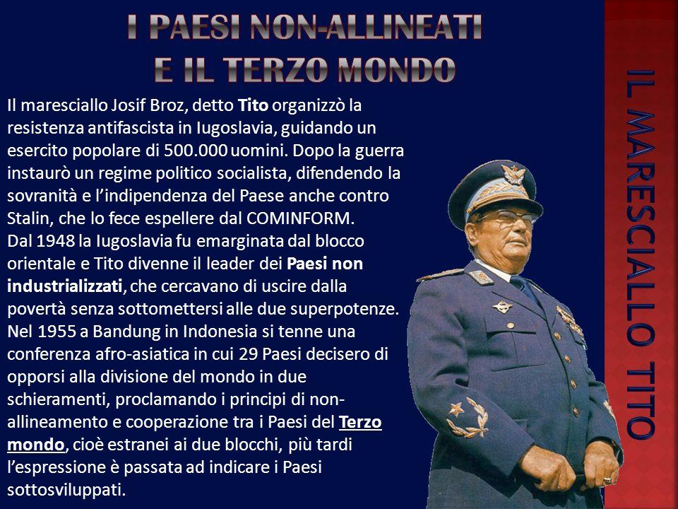 La risposta di Stalin fu immediata, lURSS impose dei regimi comunisti, strettamente legati a Mosca, in tutti i Paesi liberati dallArmata rossa. Già ne