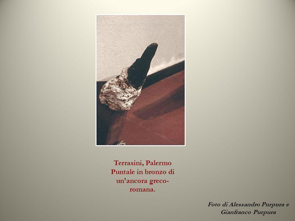 Terrasini, Palermo Puntale in bronzo di un'ancora greco- romana. Foto di Alessandro Purpura e Gianfranco Purpura