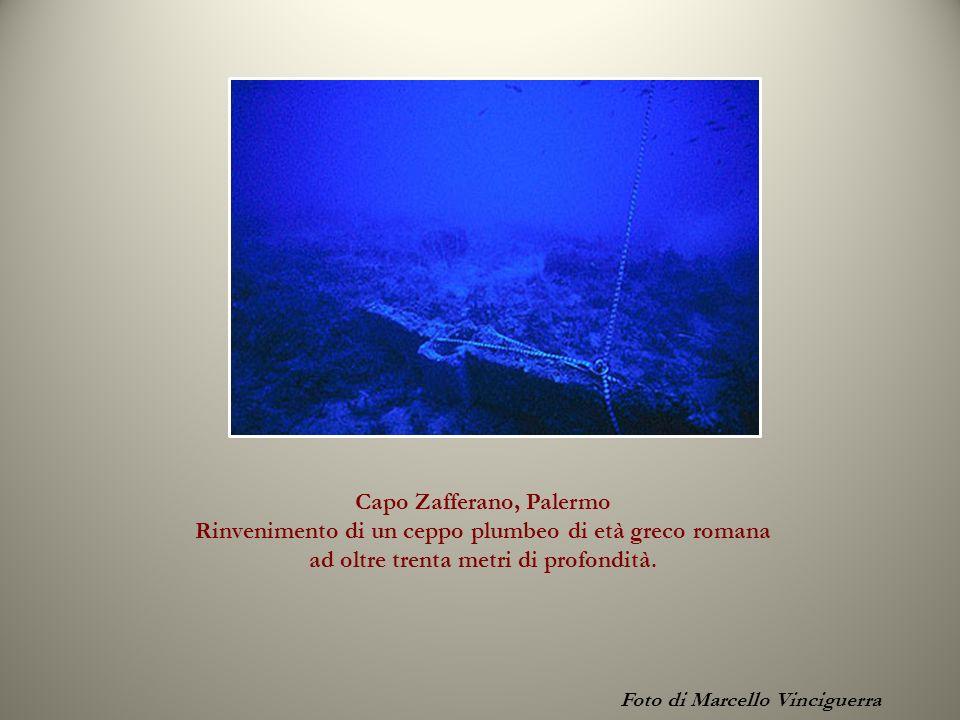 Capo Zafferano, Palermo Rinvenimento di un ceppo plumbeo di età greco romana ad oltre trenta metri di profondità. Foto di Marcello Vinciguerra