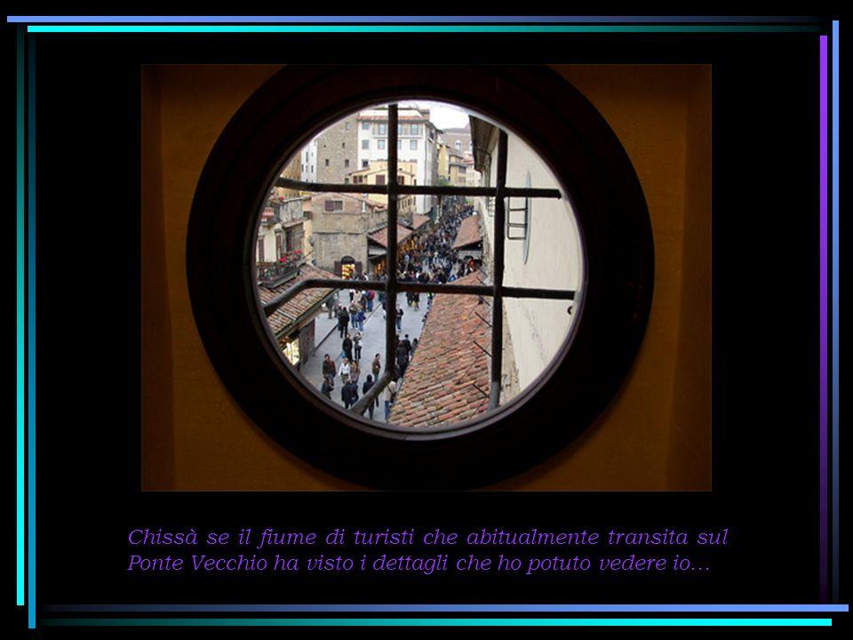 Tra le curiosità del Corridoio del Vasari, c è il giro intorno alla torre dei Mannelli che è all estremità del Ponte Vecchio.