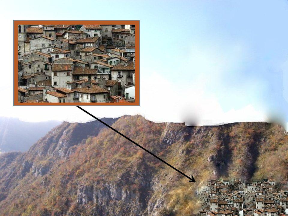ELEMENTINUOVILe case PERDUTI/ MODIFICATILa forma della montagna FUNZIONINUOVIPer laumento demografico PERDUTI/ MODIFICATI/ VALORINUOVIDemografico PERDUTI/ MODIFICATIgeologico VALUTAZIONE FINALE A causa degli agenti atmosferici la forma della montagna è stata modificata