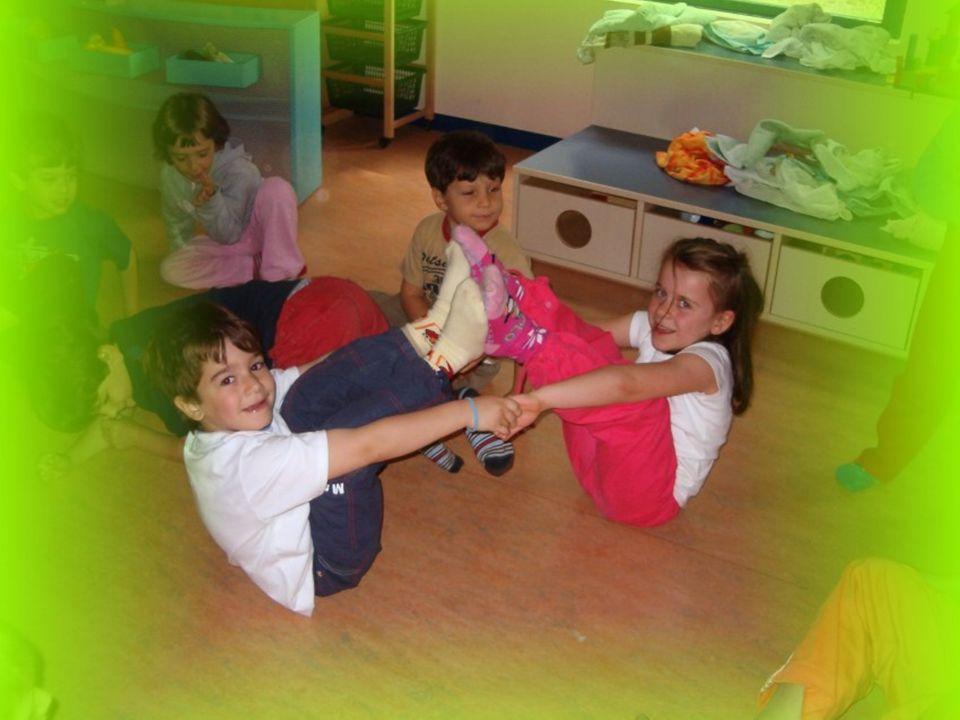 Lo Yoga dei bambini- APNU13 Posizioni Attraverso le posizioni e i movimenti guidati dal respiro, lo Yoga aiuta a correggere posture sbagliate, aumenta