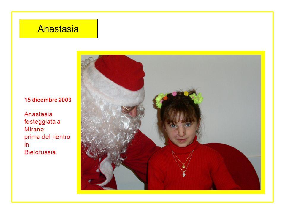 alletà di 6 anni Anastasia
