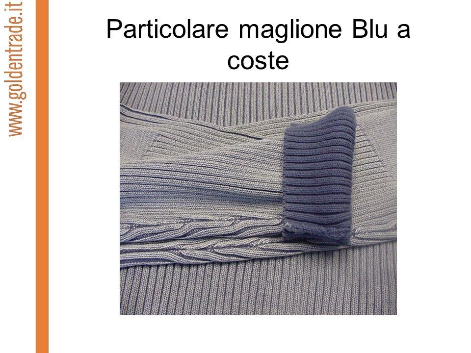 Particolare maglione Blu a coste