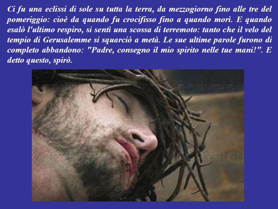 Ed anche uno dei due criminali appesi alla croce, prendeva in giro Gesù dicendogli: Tu non sei il Messia.