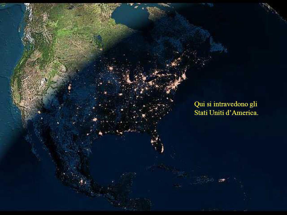Le grandi luci che si notano maggiormente sono, da nord a sud le luci di Boston - New York - Philadelphia e Washington.