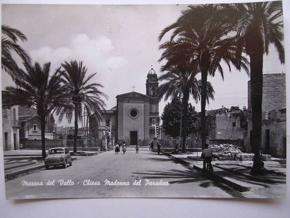 Nome della chiesa:Santa Madonna del Paradiso Ubicazione :piazza Madonna del Paradiso Datazione :1515/XIX secolo Breve storia: La chiesa della Madonna