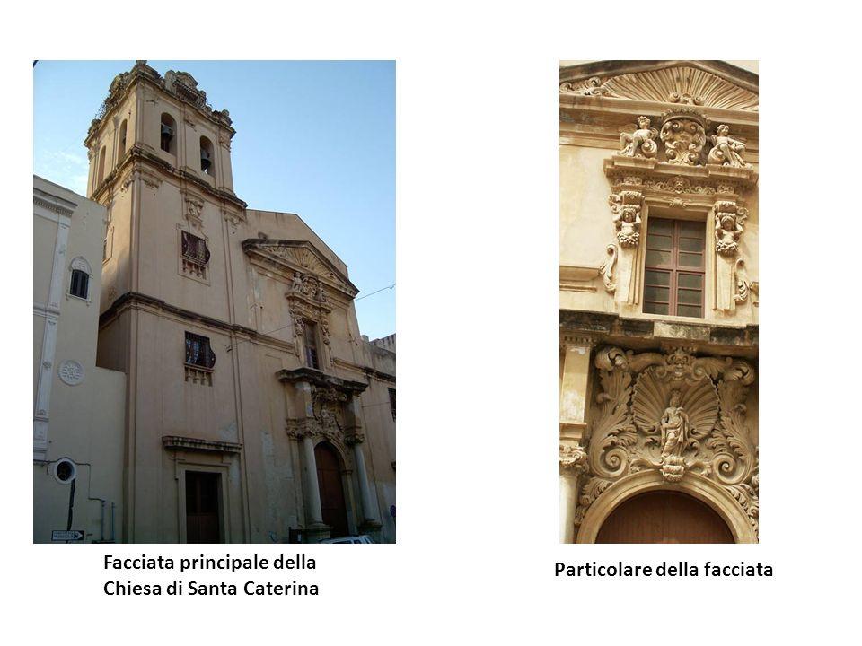 Nome della chiesa: Santa Caterina Ubicazione:Si trova sullomonima piazza Datazione:1318/ XVIII secolo Breve storia:Le sue origini risalgono al 1318, m