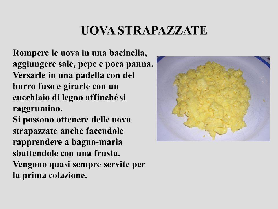 Rompere le uova in una bacinella, aggiungere sale, pepe e poca panna. Versarle in una padella con del burro fuso e girarle con un cucchiaio di legno a