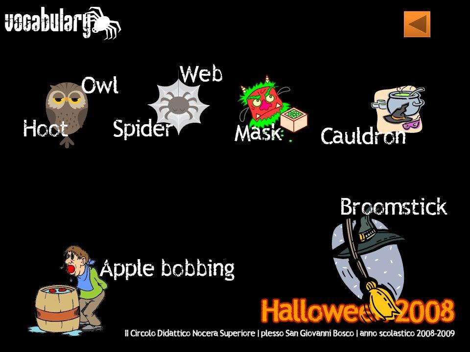 I COLORI NERO E ARANCIONE I colori tradizionali di Halloween sono il nero e l arancione.