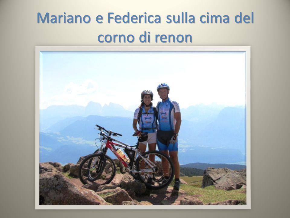 Mariano e Federica sulla cima del corno di renon