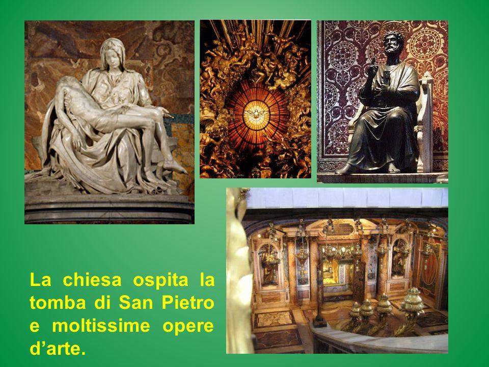 La chiesa ospita la tomba di San Pietro e moltissime opere darte.
