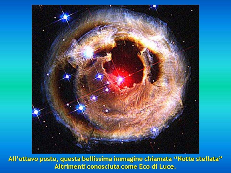Alla settima posizione, troviamo una porzione della Nebulosa Cigno che si trova a 5,500 anni luce ed è descritta come un oceano di idrogeno con piccol