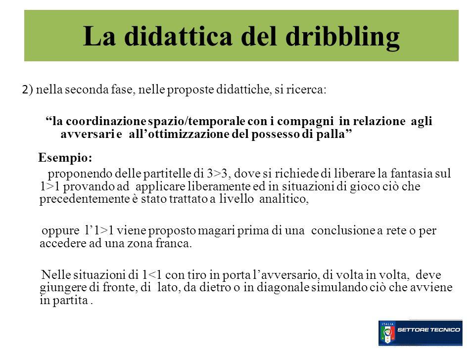 2 ) nella seconda fase, nelle proposte didattiche, si ricerca: la coordinazione spazio/temporale con i compagni in relazione agli avversari e allottim